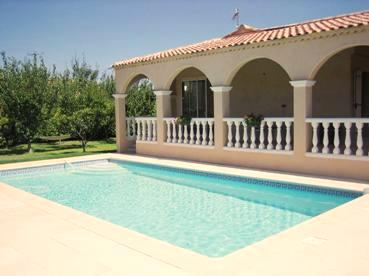 provence ferienhaus la cigaliere fotos au en poolanlage pool house terrasse sonnenbaden. Black Bedroom Furniture Sets. Home Design Ideas